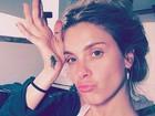 Carolina Dieckmann posa sem maquiagem e ganha elogios