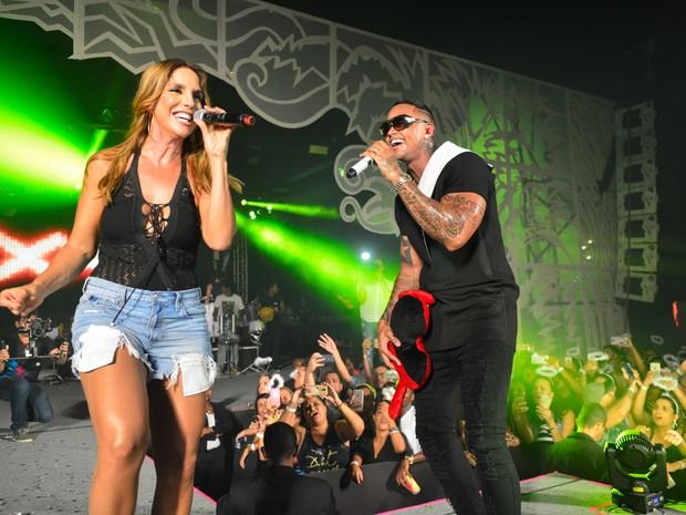 Ivete Sangalo e Léo Santana em show em Salvador, na Bahia (Foto: André Muzell/ Brazil News)