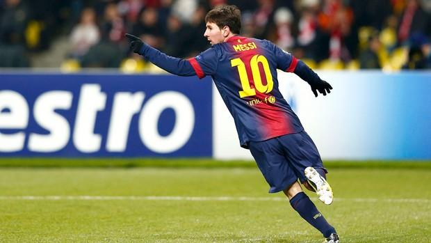 Messi comemora gol do Barcelona contra o Spartak (Foto: Reuters)