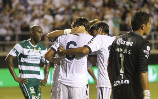 Khedira (6) Real Madrid comemora gol contra Santos Laguna (Foto: Reuters)