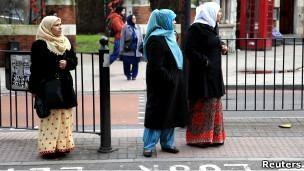 Muçulmanas em Londres; obtenção de divórcio islâmico é mais difícil para mulheres (Foto: Reuters)