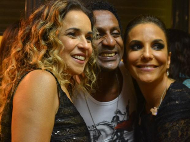 Daniela Mercury e Ivete Sangalo acompanharam Tatau no retorno (Foto: Fábio Salmeron/Arquivo Pessoal)