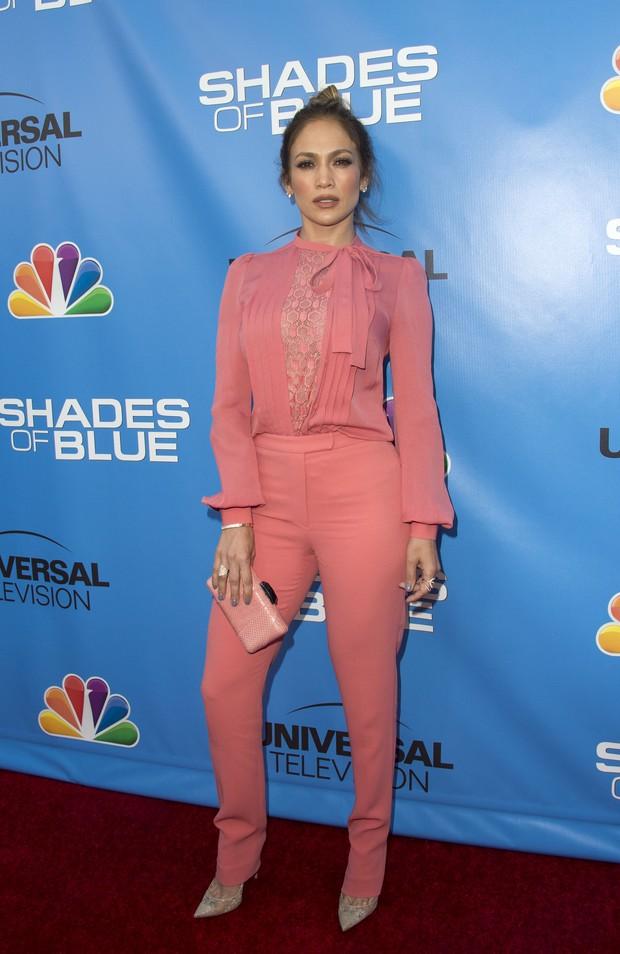 Jennifer Lopez em evento em Los Angeles, nos Estados Unidos (Foto: Valerie Macon/ AFP)