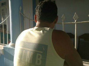 Comerciante que foi feito refém não quis mostrar o rosto (Foto: Ruan Melo/G1 Bahia)