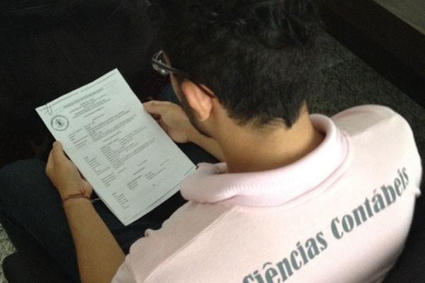Estudante diz ter sido agredido por colegas portugueses por ser gay, em Goiás (Foto: Sílvio Túlio)