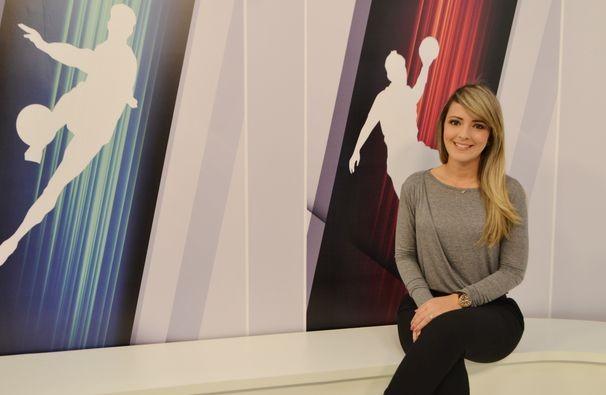 Suzi Martins apresenta o Viva Esporte deste sábado, 12 (Foto: Divulgação / TV Sergipe)