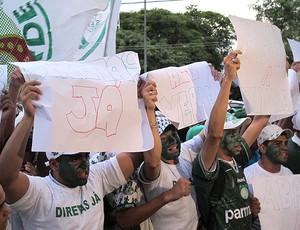 Protesto Palmeiras (Foto: Carlos Augusto Ferrari / Globoesporte)