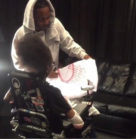 Kendrick Lamar presenteia fã com van modificada (Foto: reprodução/Instagram)