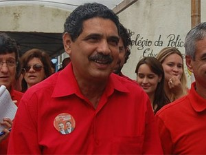 Deputado federal João Paulo é o pré-candidato ao Senado do PT-PE (Foto: Gabriela Alcântara / G1)