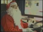 Motorista de ônibus trabalha vestido de Papai Noel: 'Fico realizado', diz