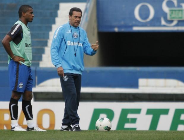Vanderlei Luxemburgo e Fernando no treino do Grêmio (Foto: Diego Guichard/GLOBOESPORTE.COM)