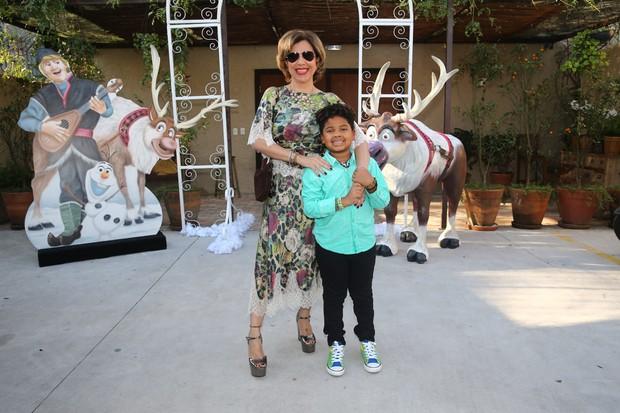 Astrid Fontenelle com o filho Gabriel (Foto: Manuela Scarpa/Photo Rio News)