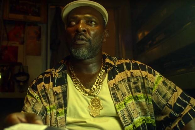 Mr Catra caracterizado para o filme O Roubo da Taça (Foto: Reprodução/Vídeo)