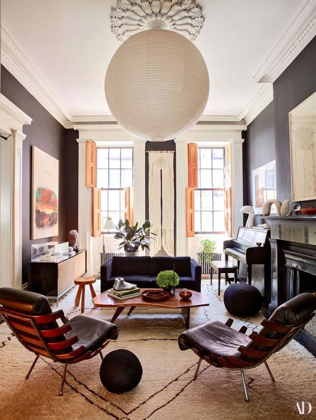 A sala de estar da atriz (Foto: Reprodução Architectural Digest)