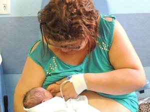 Bebê está bem, mas precisará ser submetido a alguns exames (Foto: Divulgação/Hospital Universitário de Jundiaí)