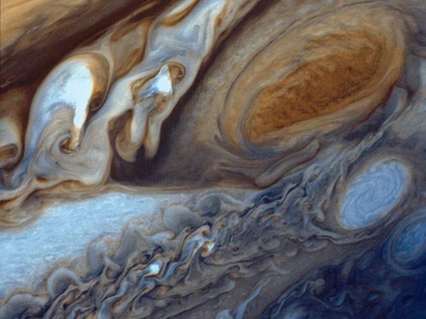 Imagem da Nasa mostra Grande Mancha Vermelha (no alto, à direita) de Júpiter (Foto: NASA/Goddard Space Flight Center/Divulgação)