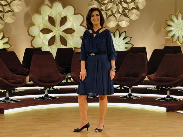 Fátima ficou ótima no vestido azul royal (Foto: Encontro com Fátima Bernardes/TV Globo)