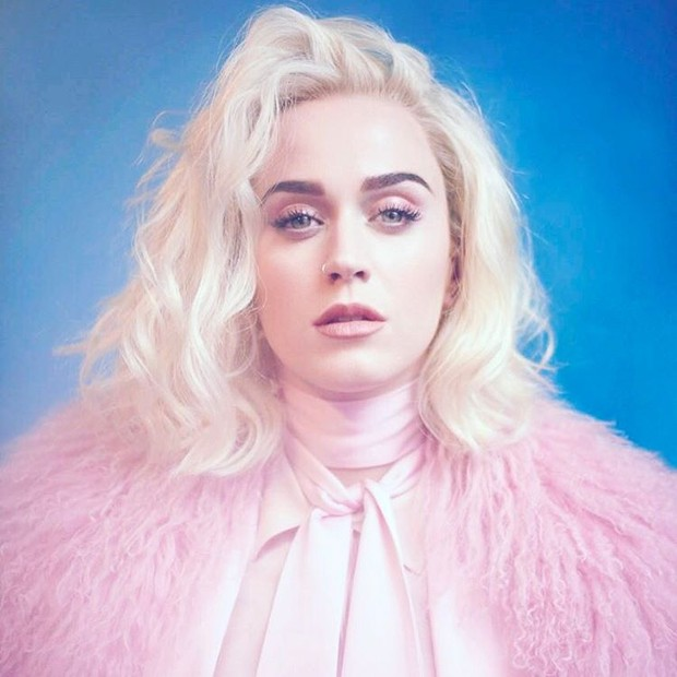 "Katy Perry lança nova música, ""Chained to the Rhythm"""