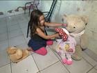 Sem vaga em creches, mãe pede demissão para cuidar da filha em GO