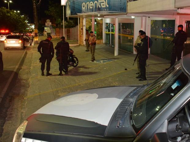 Diversas equipes de policiais foram deslocadas para as ruas da capital e realizaram abordagens e trabalho preventivo (Foto: Walter Paparazzo/G1)