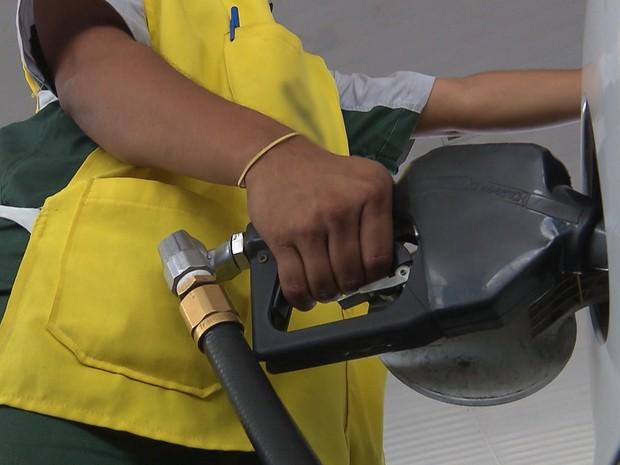 Procon de Campina Grande divulga pesquisa de preços de combustíveis (Foto: Reprodução/TV Paraíba)