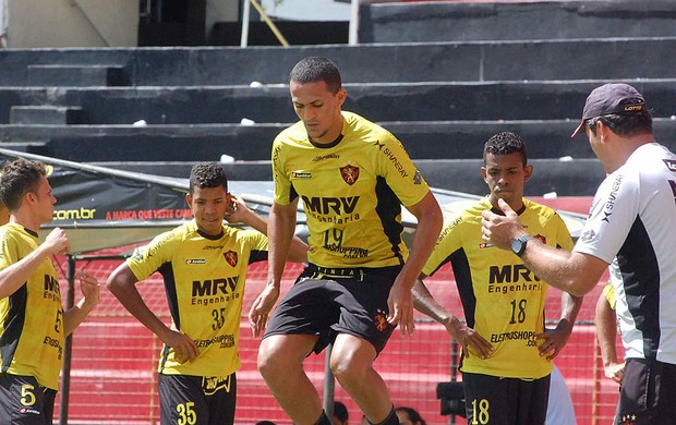mateus sport (Foto: Aldo Carneiro / Pernambuco Press)