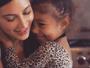 Kim Kardashian posta foto fofa com a filha North West: 'Minha belezinha'