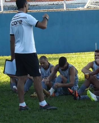 João Carlos, treinador do Americano (Foto: Nickolas Abreu)