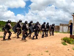 Presídio Rogério Coutinho Madruga recebeu reforço para conter motim (Foto: Bessie Cavalcante/G1)