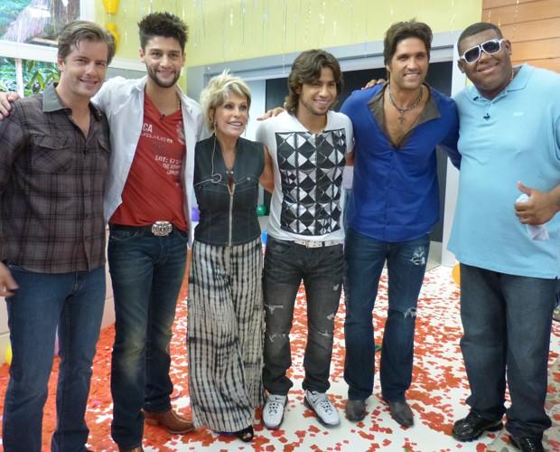 Ana MAria recebe convidados especiais para comemorar seu aniversário (Foto: Mais Você - TV Globo)