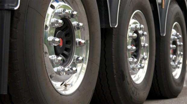 Rodas de caminhão: tecnologia ajuda a economizar (Foto: Reprodução )
