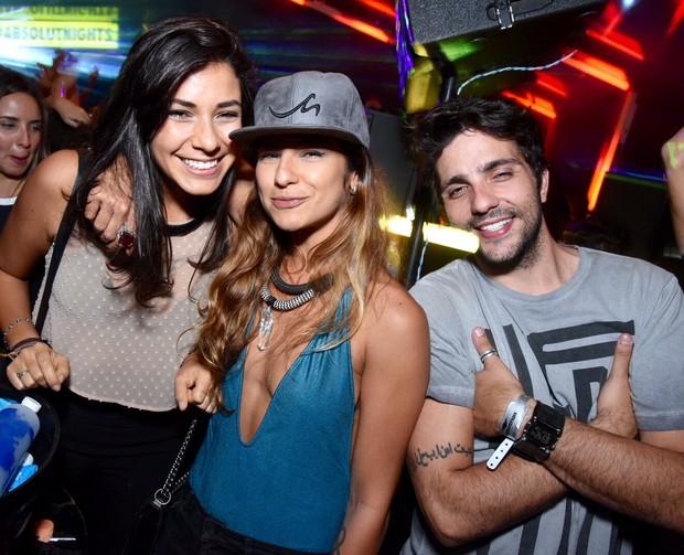 Paula Morais com o ex-BBB Junior Gianetti em festa no Rio (Foto: Ari Kaye / Divulgação)