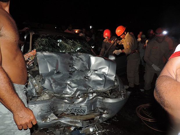 acidente na br-101 (Foto: Marcus Augusto/Voz da Bahia)
