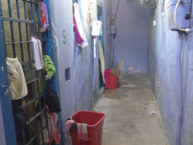 Casa de Custódia funciona sem estrutura em Maceió (Foto: Carolina Sanches/G1)