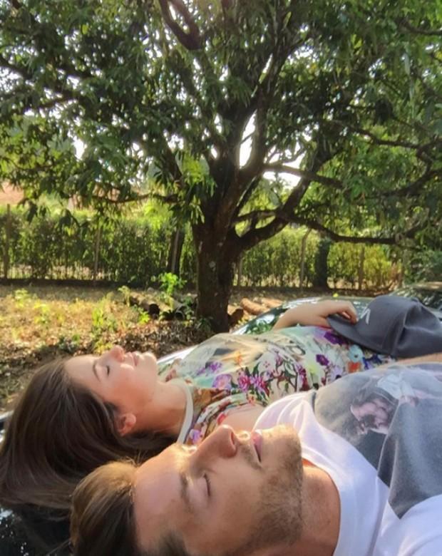 Klebber Toledo e Camila Queiroz (Foto: Reprodução)