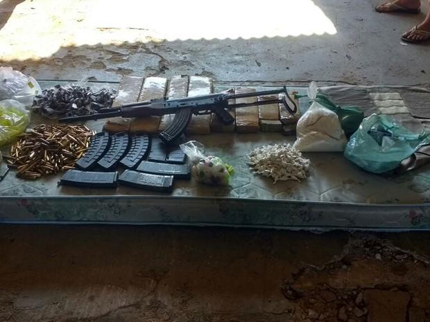 Material foi encontrado junto de suspeito, em residência da Zona Leste de SP (Foto: Divulgação/Polícia Civil)