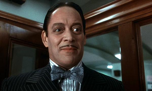 Raúl Juliá como Gomez Addams (Foto: Divulgação)