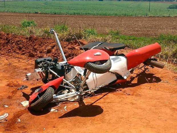 Ultraleve que caiu no aeroporto de Mogi Mirim (Foto: Reprodução EPTV)