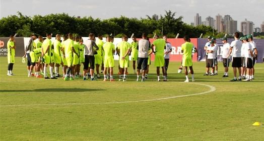 atrás do prejuízo (Rosiron Rodrigues / Goiás E.C.)
