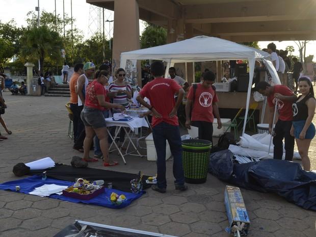 Feira multicultural aconteceu na Praça da Bandeira, em Macapá (Foto: Abinoan Santiago/G1)