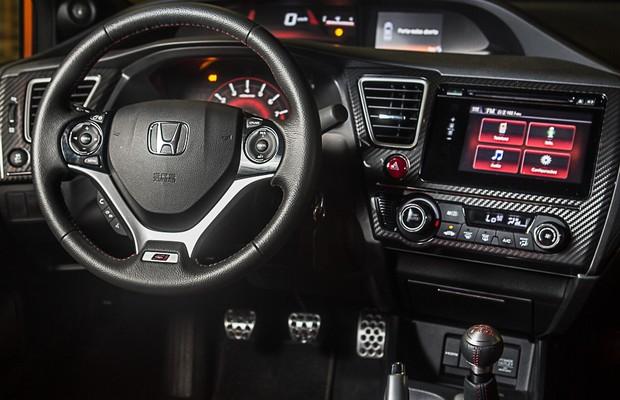 Honda Civic Si 2015 (Foto: Marcos Camargo)