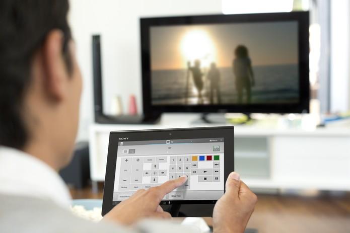Controle automatizado usando aplicativo em um tablet comum (Foto: Divulgação/ Sony)