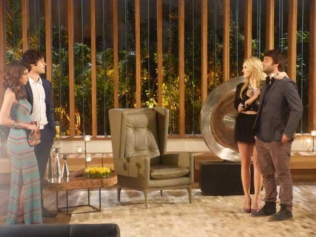 Guerra de casais! Manu e Arthur X Megan e Davi (Foto: Geração Brasil/TV Globo)
