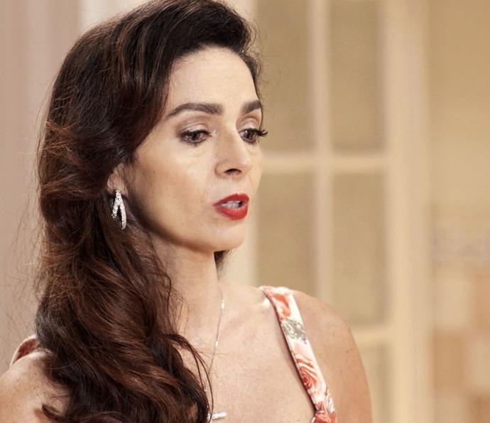 Loretta conversa com Vittorio, sem nenhuma agressividade (Foto: TV Globo)