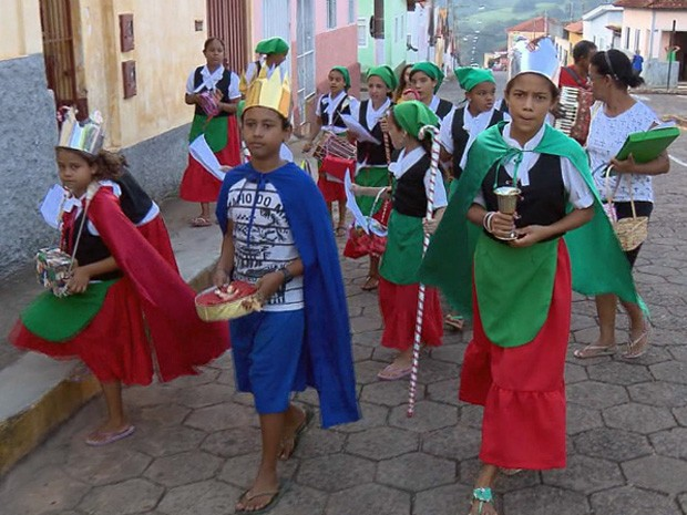Pastorinhas relembram tradição de mais de 80 anos (Foto: Reprodução EPTV)