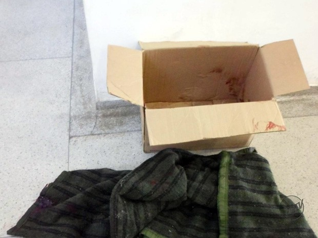 Bebê foi encontrado dentro de caixa de papelão em Passos (Foto: Reprodução EPTV)