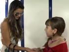 Atriz lê mão de famosos e aconselha Marquezine: 'Cuidado com ciúme'