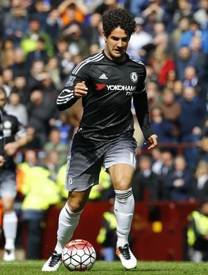 Alexandre Pato Aston Villa x Chelsea (Foto: Reuters)