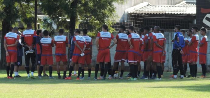 Treino Grêmio prudente CT Jardim Everest Conversa (Foto: Ronaldo Nascimento / GloboEsporte.com)