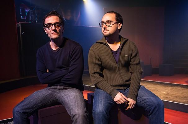 """O diretor Marco André Nunes e o autor de """"Caranguejo Overdrive"""", Pedro Kosovski (Foto: Divulgação)"""